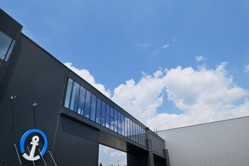 KUEHNE + NAGEL WAREHOUSE AND LOGISTIC CENTER BRNIK