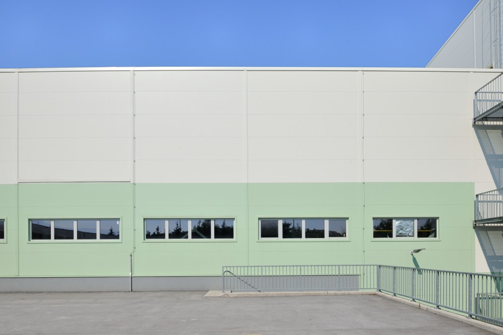 JUB Commercial and Storage Hall, Törökbálint